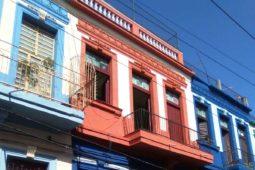 Fachada del Hostal Habana Hierbabuena