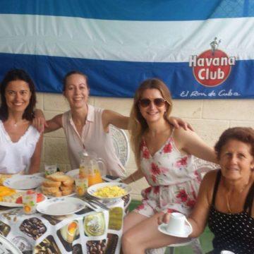 Clientes del Habana Hierbabuena ana y miriam