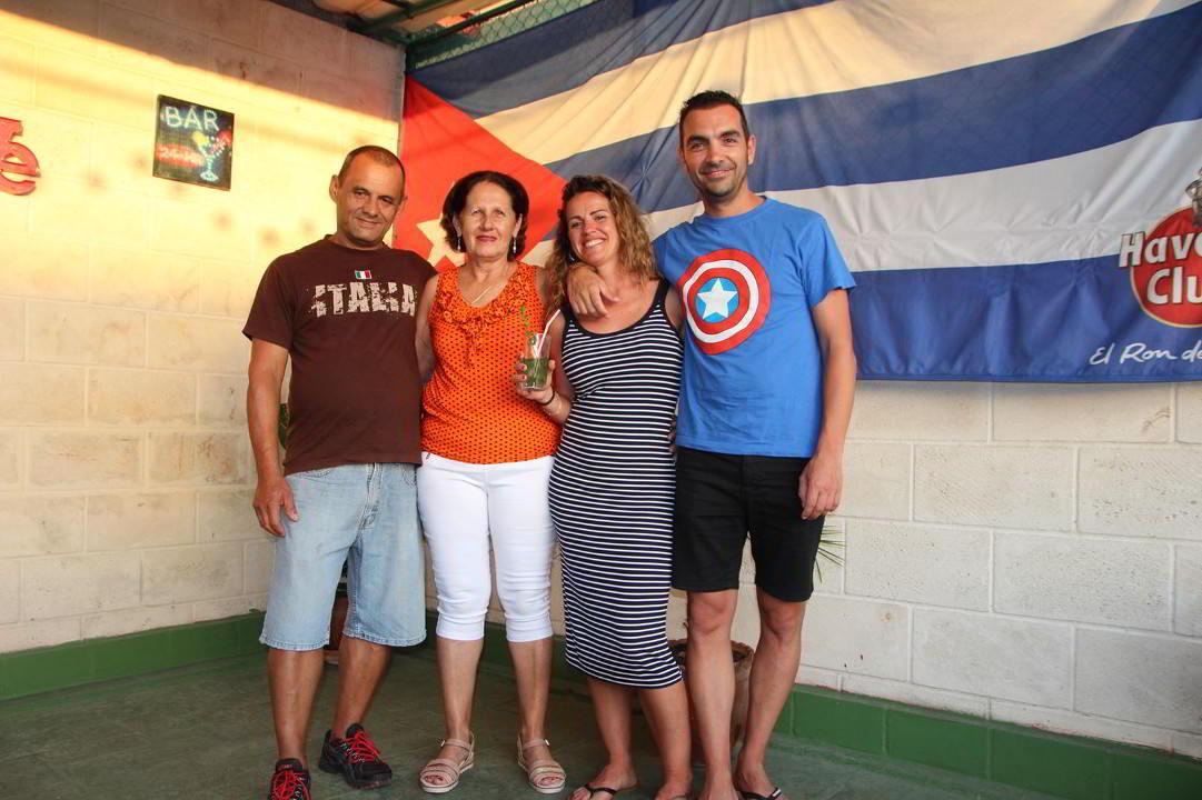 Clientes del Habana Hierbabuena Cris y David