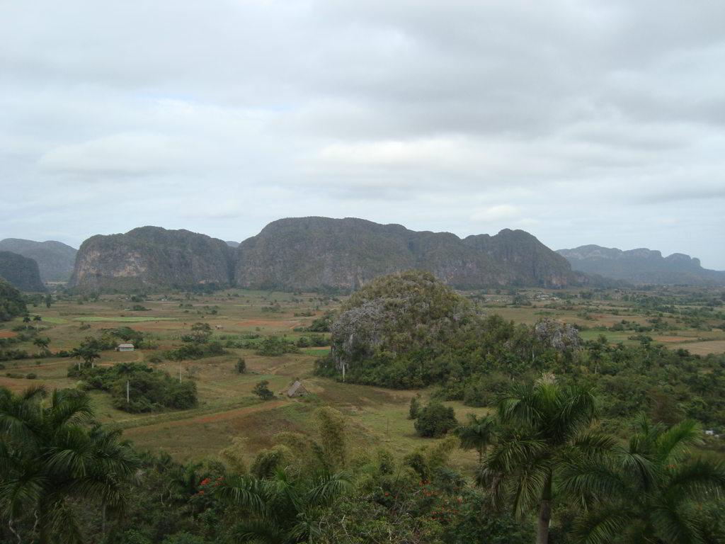 el valle yendo desde La Habana a Viñales